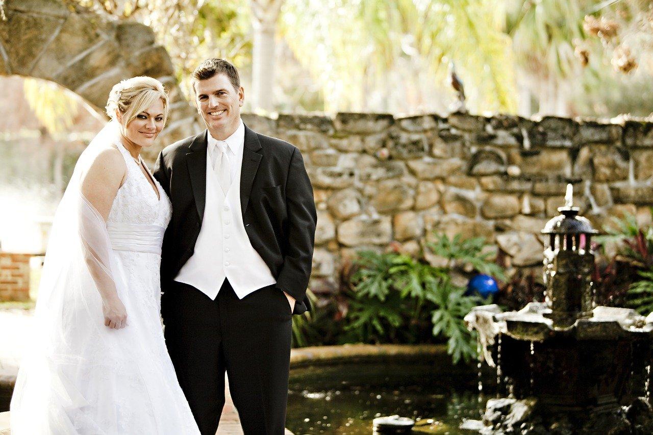 Ślub w plenerze – dzisiaj realizacja tego marzenia jest prostsza niż kiedyś!