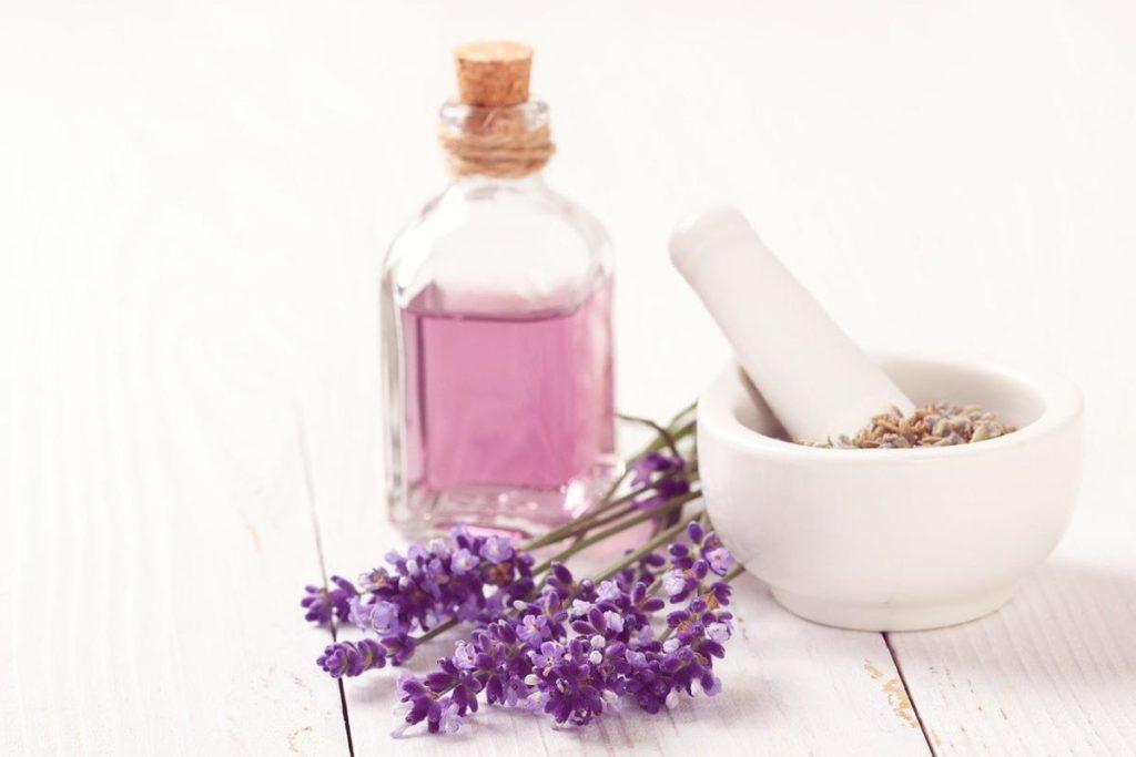 Czym różnią się perfumy od wód toaletowych?
