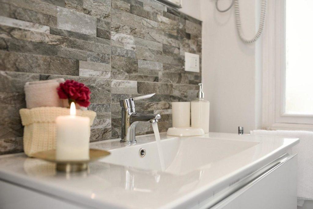 Umywalka nadaje charakteru Twojej łazience – wybierz ją dobrze.