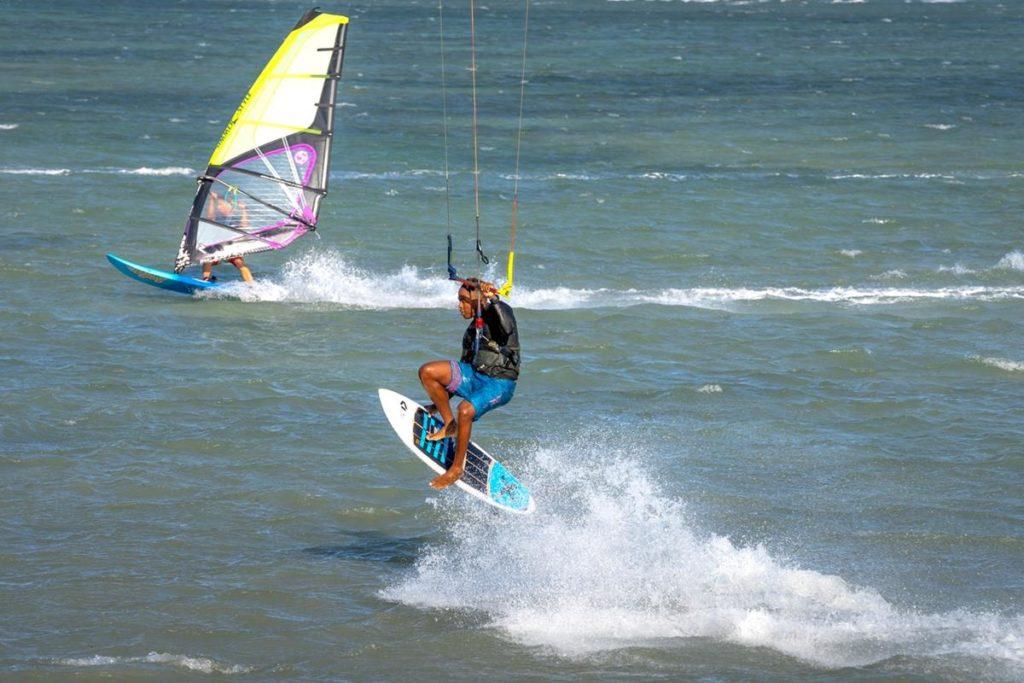 Czy poszukujecie dobrych instruktorów kitesurfingu?